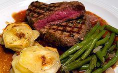 "Rinderfilet steak (cooked ""backwards"") in port wine sauce."