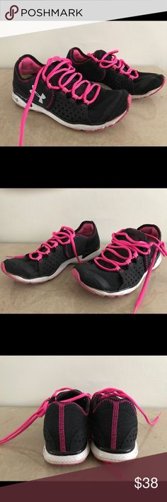 Under Armour Women's Shoes Size 7.5 Under Armour Women's Shoes Size 7.5 used in good condition please any question ask me before buying Under Armour Shoes Athletic Shoes
