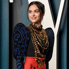 Verona, Dating A Model, Most Beautiful Women, Beautiful People, Absolutely Stunning, Camila Mendes Riverdale, Camilla Mendes, Vanity Fair, Nice Tops