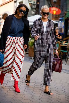 Pattern and print play | For more style inspiration visit 40plusstyle.com