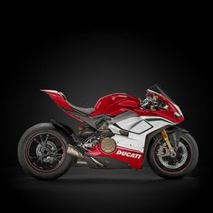 "Gefällt 35.1 Tsd. Mal, 163 Kommentare - Ducati Motor Holding (@ducatimotor) auf Instagram: ""The New Panigale V4 Speciale pushes the boundaries of the concept of Italian sports bike to the…"""