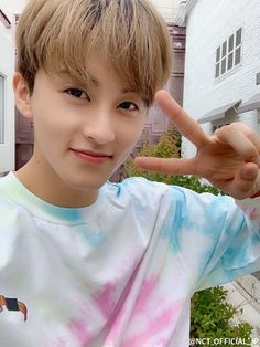 It's all the awesome pics of NCT that i wanted to share with you all! Mark Lee, Winwin, Taeyong, Jaehyun, Nct 127, Nct Dream Renjun, Lee Min Hyung, Nct Group, Cute Happy Birthday