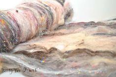 Spinning fiber art batt, Wool Batt, felting batt, carded batt for spinning or felting - 2.6 oz - BEAUTY QUEEN plus extra rolag