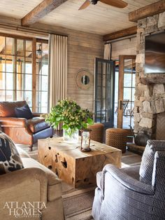 Relaxing Living Room Décor Ideas With Leather Sofa 54 Living Room Designs, Living Room Decor, Living Room Cabin, Brown And Blue Living Room, Atlanta Homes, Cabin Interiors, Beautiful Living Rooms, Home And Living, Modern Living