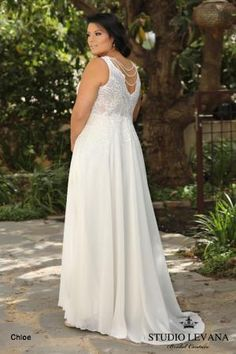 Plus size wedding gowns 2018 Chloe (1)