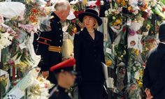 Twenty years ago, the world looked on as Prince William and Prince Harry said goodbye to their mom. Read on for photos of the day Diana, Princess of Wales was laid to rest. Princess Diana Funeral, Charles And Diana, Uk Photos, Westminster Abbey, Lady Diana, Princess Of Wales, Prince Harry, Prince William, The Twenties
