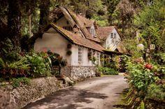 Cottages Houses: Fairytale cottage.