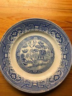 Blue Willow fra Villeroy & Boch - gammelt service | FINN.no Fine Porcelain, Decorative Plates, Tableware, Blue, Home Decor, Dinnerware, Decoration Home, Room Decor, Tablewares