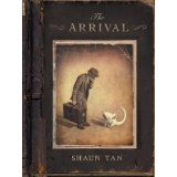 The Arrival by Shaun Tan. A wordless novel about a man who leaves his home country and must build a new life for himself and his family. By well-known Australian illustrator Shaun Tan. Shaun Tan, Wordless Picture Books, Wordless Book, Good Books, My Books, Amazing Books, Art Spiegelman, Visual Literacy, The Arrival