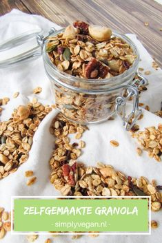 Nuts and seeds granola Healthy Vegan Snacks, Healthy Breakfast Smoothies, Health Breakfast, Breakfast Recipes, Snack Recipes, Make Your Own Granola, Meals For The Week, No Cook Meals, Muesli