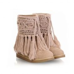 $22.58 Casual Sweet Women's Snow Boots With Solid Color Fingering Yarn Tassels Design http://www.sammydress.com/product294363.html