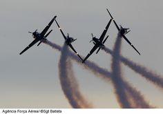 Esquadrilha da Fumaça by Força Aérea Brasileira - 6 milhões views