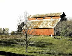 Classic red barn photography