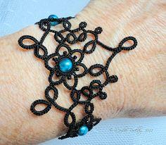 Pulsera Nouveau por yarnplayer, a través de Flickr