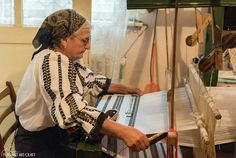 In the Romanian village of Sâmbăta de Sus, we had a unique occasion to admire Romanian folk art creations made by textile artisan Lucia Ciocoiu. At the age of 71, after a lifetime in the weaving business, she continues her work, not only from passion, but also for the purpose of serving her people. #weaving #romanianvillages #transylvania