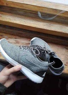 Kup mój przedmiot na #vintedpl http://www.vinted.pl/damskie-obuwie/obuwie-sportowe/15262515-nike-juvenate-teech-pack-fleece-rozmiar-3824cm-okazja