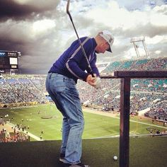 Photo of the Year (Golf/Football Hybrid Category) goes to @Reimer_pgatour.