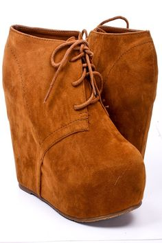 I'm getting these booties this fall/winter! I almost got them last year....I'm not letting them slip by again! <3