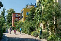 Le quartier Vauban de Fribourg : dans le quartier écologique Vauban, la plupart des habitants vivent sans voiture.
