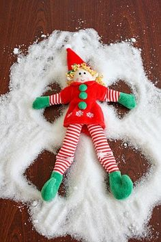 Holiday Elf -- snow angels !!!    LOVE IT!!!!!!