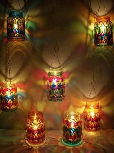 22 creative ideas for decorating glass jars - I know a lot of ideas to decorate glass jars but every time I start to make crafts I don& rem - Glass Bottle Crafts, Bottle Art, Bottles And Jars, Glass Jars, Diy Luminaire, Glass Painting Designs, Jar Lanterns, Hanging Lanterns, Jar Lights