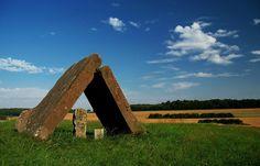 """Besser als vorhergesagt, ... ist das Wetter heute bei uns. Da lohnt sich doch ein längerer Spaziergang in der Mittagspause. Nicht nur über den Skulpturenweg """"Steine an der Grenze"""".  :-) http://de.wikipedia.org/wiki/Steine_an_der_Grenze"""