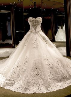 Cheap gown red, Buy Quality gown design directly from China dress wedding gown Suppliers: Luxury Ball Gown Wedding Dresses Sweetheart Crystal Appliques Lace Bridal Gowns Vestidos De Noiva Com Foto Real Puffy Wedding Dresses, Wedding Dress Train, Sweetheart Wedding Dress, Gorgeous Wedding Dress, Tulle Wedding, Cheap Wedding Dress, Dream Wedding Dresses, Bridal Dresses, Wedding Gowns