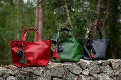 Nossa bolsa Esmeralda nas três cores desta coleção. Conheça: www.dervishbags.com.br