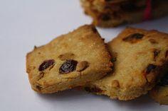 Pizza Fichi e Zighinì: La palla al balzo - Biscotti veg con mirtilli rossi e bacche di goji