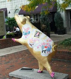 Flying Pig Marathon in Cincinnati! The race weekend includes a Pig Out pasta party!    http://www.midwestliving.com/travel/destination/ohio/cincinnati-attractions/#