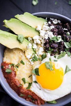 Huevos Rancheros Polenta Bowls make for an easy breakfast or dinner! Polenta Breakfast, Breakfast Bowls, Mexican Breakfast, Breakfast Pizza, Mexican Food Recipes, Vegetarian Recipes, Cooking Recipes, Healthy Recipes, Healthy Dinners