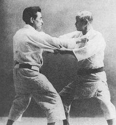 Judo - Mifune Sensei and Kano Shihan Aikido, Martial Arts Styles, Mixed Martial Arts, Amaterasu, Kobe, Judo Gi, Judo Training, Judo Throws, Tai Chi Qigong