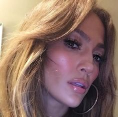 Jennifer Lopez 48 sizzles in cleavage-baring exposé: 'Goddess of youth' Love Makeup, Beauty Makeup, Makeup Ideas, Hair Makeup, Jennifer Lopez Fotos, Janet Jackson Videos, J Lo Fashion, Celebs Without Makeup, Celebrity Makeup Looks