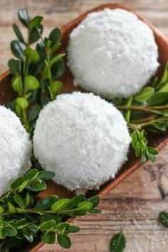 Learn How to Make Sparkle Snow Texture Balls in two steps with less than 5 supplies. These snowballs are great for decorating your home for the holidays. diy How to Make Sparkle Snow Texture Balls Farmhouse Christmas Decor, Rustic Christmas, Winter Christmas, All Things Christmas, Christmas Holidays, Xmas, Christmas Music, Winter Diy, Winter Home Decor