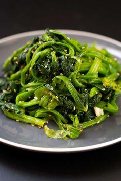 Korean Spinach Salad Recipe, Spinach Salad Recipes, Vegetable Recipes, Korean Namul Recipe, Korean Side Dishes, Vegetable Side Dishes, Easy Korean Recipes, Asian Recipes, Rice