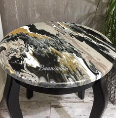 Diy Home Furniture, Funky Furniture, Upcycled Furniture, Shabby Chic Furniture, Furniture Makeover, Painted Furniture, Painted Table Tops, Painted Bar Stools, Painted Chairs