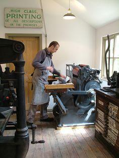 Hand feeding a 1963 Gietz Art Platen press