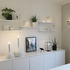 Hello new week! 👋🏻 Have a great monday sweet instafriends 💕 . Nordic Home, Scandinavian Home, Nordic Style, Interior Stylist, Interior Design, Have A Great Monday, New Week, Room Inspiration, Floating Shelves