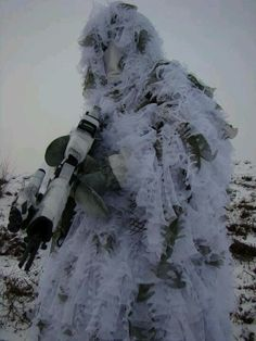 Ghost Soldier white snow ghillie suit for alien Special Ops, Special Forces, Le Sniper, Airsoft Sniper, Ghost Soldiers, Ghillie Suit, Military Gear, Armed Forces, Warfare