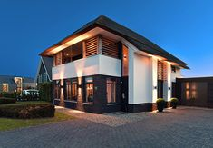 Design Villa Moderne, Modern Villa Design, Unique House Plans, Dream House Plans, Future House, Building Design, Building A House, Conception Villa, Huge Houses