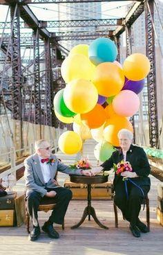 Casal de idosos tira fotos criativas para comemorar aniversário de casamento - Comportamento