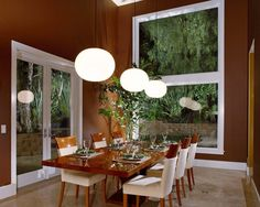 Natural Shades in the Dining Room Create an Atmosphere more Intimate & Warm - Along with the development of functions in interior design of the dining room, activity the dining table above can be optimized as a 'second family room', where family members can share stories and exchange ideas on the table. If you and your family love the eating activity accompanied with a natural feel, you can set the dining room with overlooking the garden patio area.