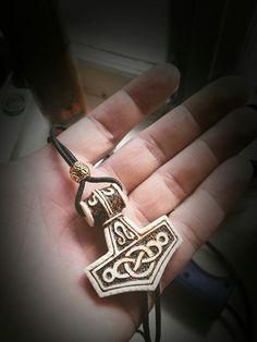 Молот Тора. Материал: рог лося. Пирография. Hammer of Thor. Material: elk horn. Pyrography.