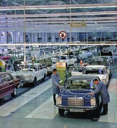 Enjoy Car Life Mercedes Maybach, Mercedes Benz R Class, Mercedes Benz 220, Enjoy Car, M Benz, Old Vintage Cars, Daimler Benz, Classic Mercedes, Best Luxury Cars