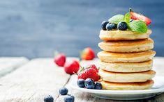 Amerikanske pannekaker er små luftige lapper. I denne pannekakerøren er det både kulturmelk og natron som hever lappene litt ekstra! Pasty Pastry, Bun Cake, Baked Bakery, Blueberry Bread, Edible Food, Tasty, Yummy Yummy, Delicious Desserts, Pancakes