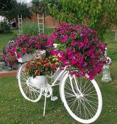 Garden Ideas and DIY Backyard Projects! Today we present you one collection of … - Easy Diy Garden Diy Garden, Garden Crafts, Garden Art, Spring Garden, Garden Edging, Rocks Garden, Garden Painting, Garden Boxes, Herb Garden