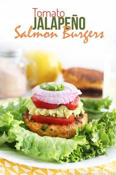 Tomato Jalapeño Salmon Burgers #glutenfree #dairyfree #paleo