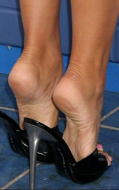sexy women feet showing soles in sandals – Shoes Office Sexy Legs And Heels, Hot High Heels, High Heels Stilettos, Stiletto Heels, Beautiful High Heels, Gorgeous Feet, Sexy Sandals, Bare Foot Sandals, Feet Soles