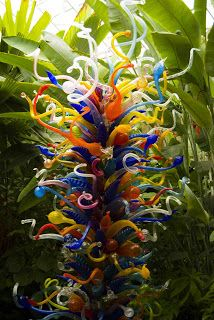 Strawberry Anarchy: Dale Chihuly Glass Sculpture A-frickin-mazing