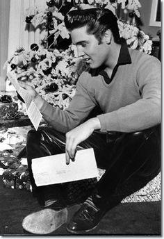 What Did Elvis Presley Look Like 61 Ago